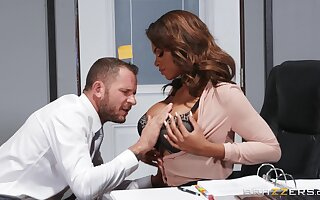 Automated office MILF lands white inches in a perfect interracial scene