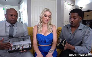 Bitch gets blacked in home non-professional threesome
